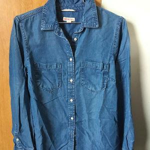 Merona soft and lightweight denim style shirt